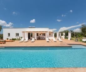 Ugento Villa Sleeps 12 Pool Air Con WiFi